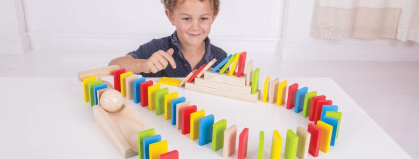 Rallye de dominos en bois