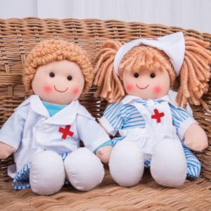 Petites poupées de chiffon Médecin et Infirmière