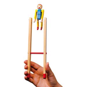 Clown gymnaste en bois