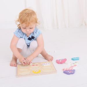 Puzzle en bois Fille à habiller